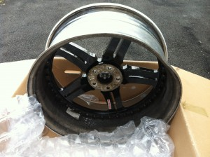 Damaged bent 22 inch asanti wheel pic 1
