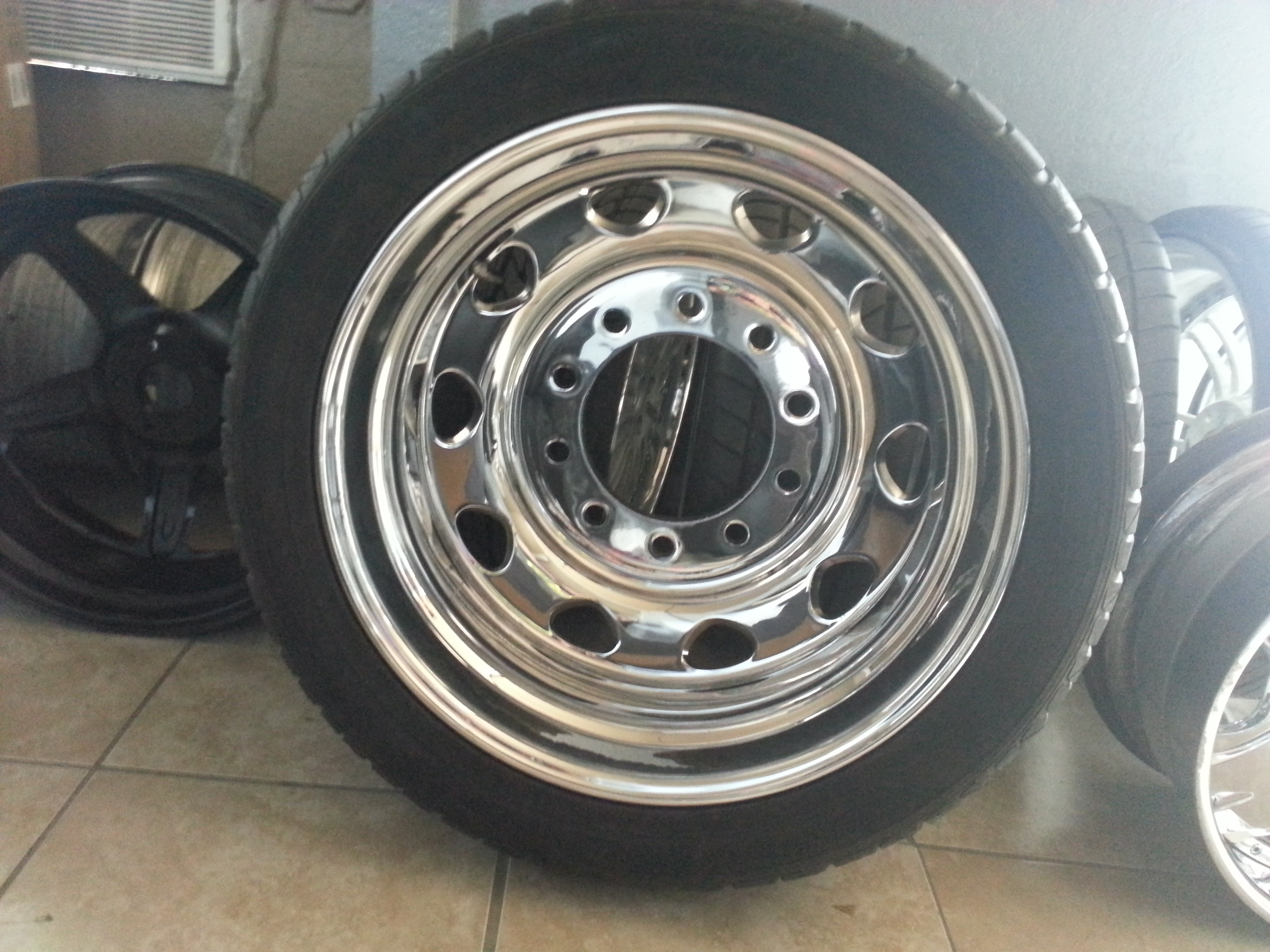 24 inch Dully Wheel Repaired and Repolished