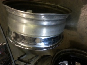 Damaged bent 22 inch asanti wheel pic 2