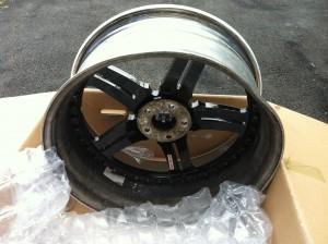 Damaged bent 22 inch asanti wheel pic 1